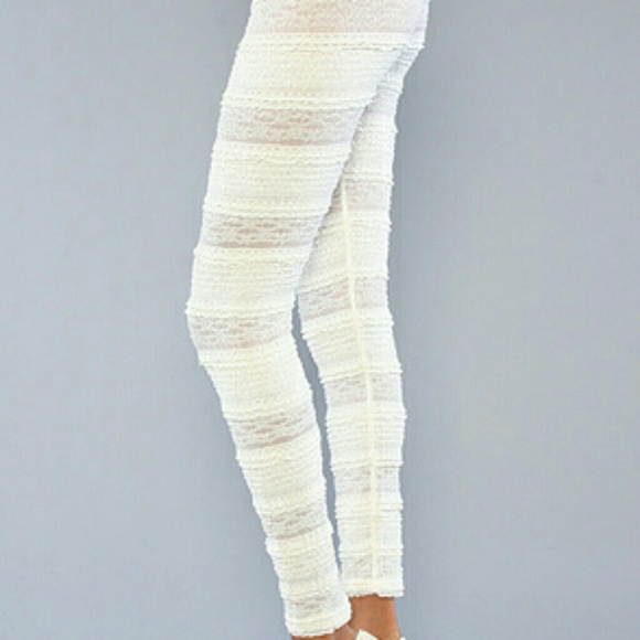 948066ae480 Free People Ivory Lace Ruffle Leggings XS New