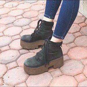Shoes - Platform boots 6.5