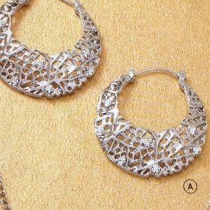 Bundle 2 pair earrings