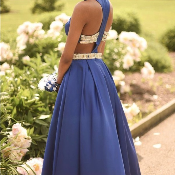 Babette\'s Bridal and Formalwear Boutique Dresses | Elegant Long Blue ...