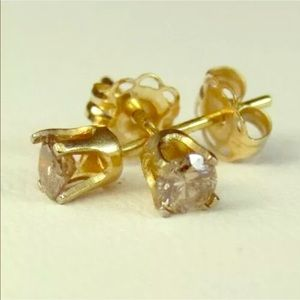 Jewelry - 14k Yellow Gold Stud Earrings w/Champagne Diamonds