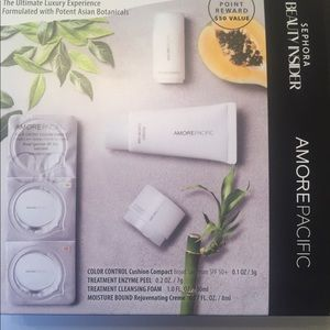 AmorePacific -Cleanse.Hydrate. Perfect. Kit