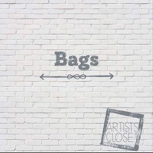 Handbags - Purses and more 