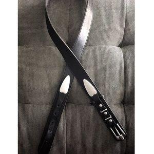 Black leather belt size medium