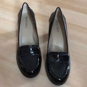 New black Ellen Tracy patent leather shoes