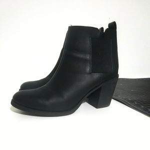 🖤H&M Divided black Chelsea boots🖤