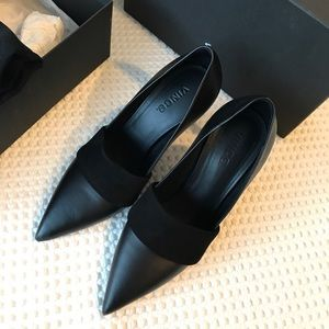 Vince Carmel black heels Barney New York