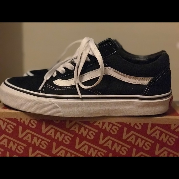1daf935198 Old Skool Vans (Men s size 5