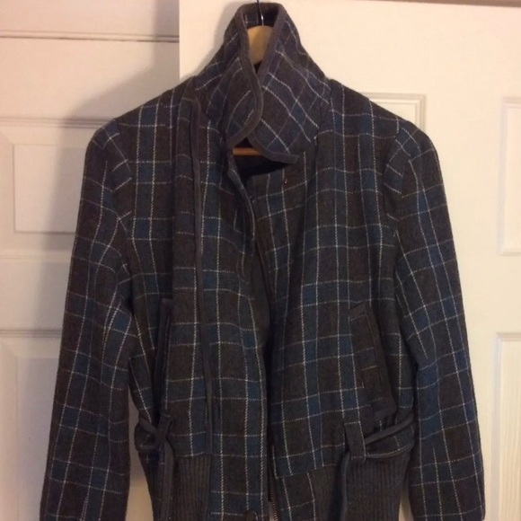 Guess Jackets & Blazers - Guess Bomber Jacket