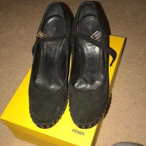 Fendi suede shoes size 39