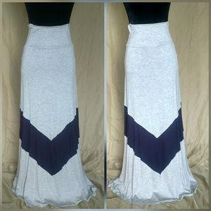 Dresses & Skirts - 🌟🌟New Arrival Navy Blue Chevron Maxi Skirt🌟🌟