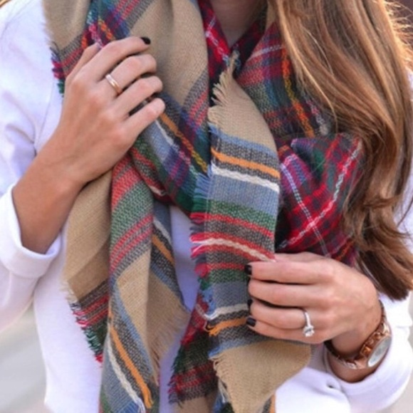 Accessories - Plaid Oversized Blanket Scarf