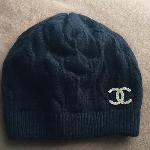 2dce052ca22 Accessories - Chanel Winter hat