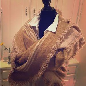 Ann Taylor Chevron Blanket Scarf Shawl