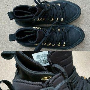 CONVERSE Neoprene Lined Quick Strike Sneaker