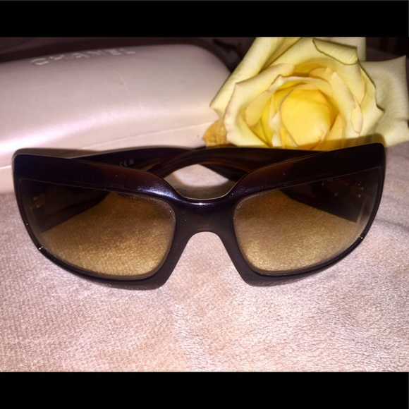 0e6a1999967f6 CHANEL Accessories - CHANEL Mother of Pearl Sunglasses 5076-H Brown