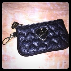 Betsey coin pouch