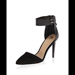 Joe's Jeans Women's Arnie D'Orsay Pump