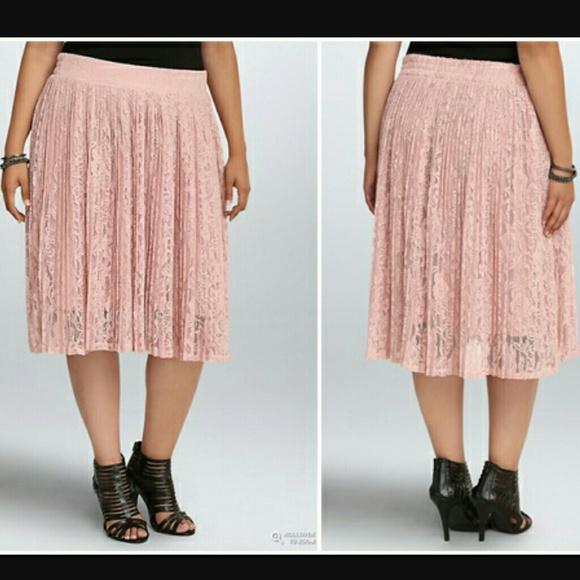 eb3802a263 torrid Skirts | Pleated Lace Midi Skirt Size 2 | Poshmark