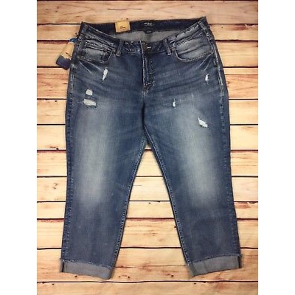 799867dba2fd8 ⭐NEW Silver Jeans Sam Boyfriend Cropped Capri Jean