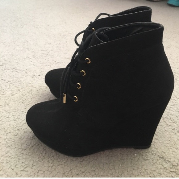 Gorgeous F2 Lace Up Black Suede Wedge