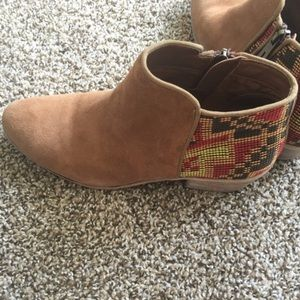 c43197bcd84321 Sam Edelman Shoes - Sam Edelman Putnam Southwestern Aztec Booties