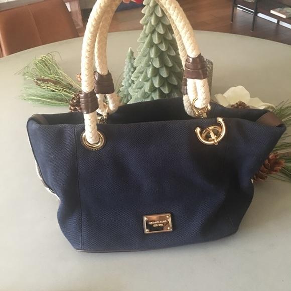 112d9867ed80 Michael Kors Navy Nautical purse. M_5a1eb6f2291a35a9a115c892