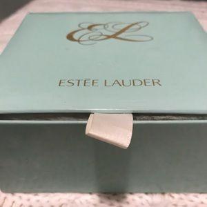 Estée Lauder youth dusting powder