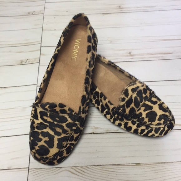 8e9cc00e501c 🎁NWOT Vionic calf hair Leopard Print Loafer