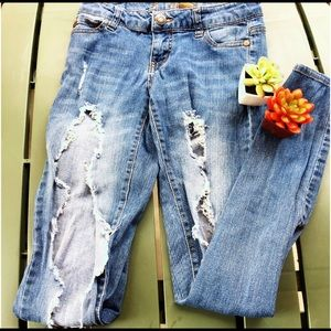 🚨Celebrity Pink Ultra Distressed Jeans