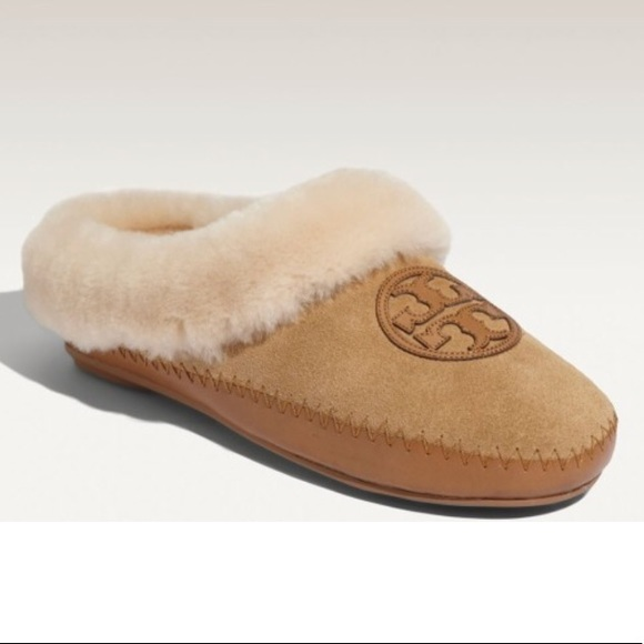 2c0aac2297a Tory Burch Coley Genuine Shearling Slippers. M 5a1efe3413302af6f116cbe3