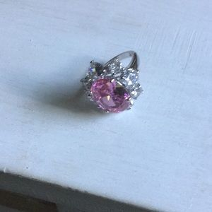 Jewelry - Beautiful Pink and Clear Rhinestone Ring