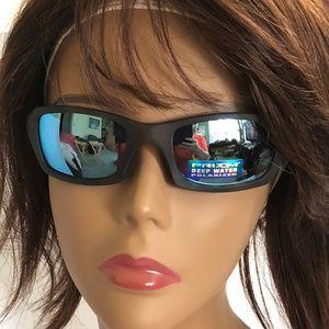 5e47b81037 Oakley Accessories - NEW Oakley Sunglasses FIVES SQUARED OO9238-17