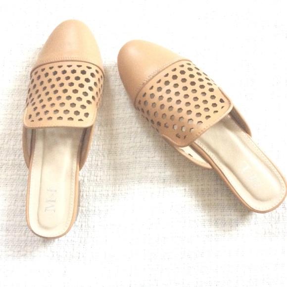 M & L Shoes - Tan Mule Slides