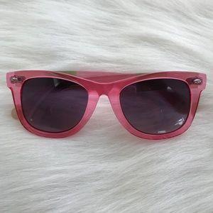 Betsey Johnson wayfarer style sunglasses