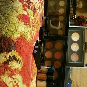 Ofra Makeup Kit