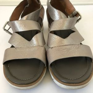 a15ed1035ae3 Sofft Shoes - Söfft Mirabelle Anthracite Metallic Sandal