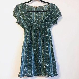 Green and blue short sleeve dress