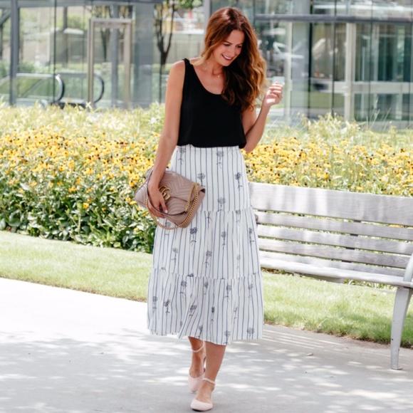 Club Monaco Dresses & Skirts - Club Monaco 'Kenyatta' floral stripe skirt