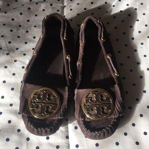 Tory burch brown suede moccasins gold emblem Sz 6