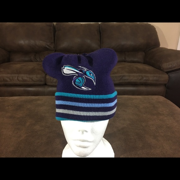 reputable site 1f36b 9e79f ... italy mitchell ness charlotte hornets beanie 41007 21632