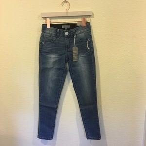 NWT Wit & Wisdom blue ankle skimmer jeans