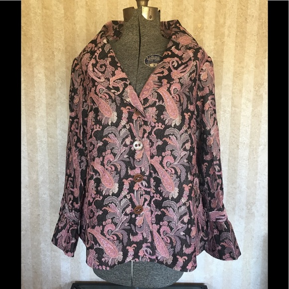 Avenue Jackets & Blazers - Plus size Avenue tapestry patterned jacket.