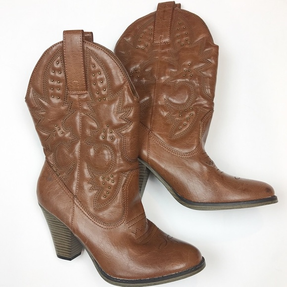 8e1256f772f Mia Larue heeled cowboy boots size 8