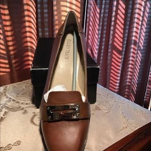 New Ellen Tracy Brown Leather shoes, size 9.5