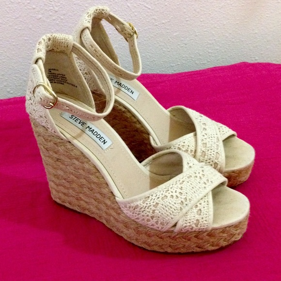 41afac1a9e1 Steve Madden Marrvil Crochet Wedge in Cream