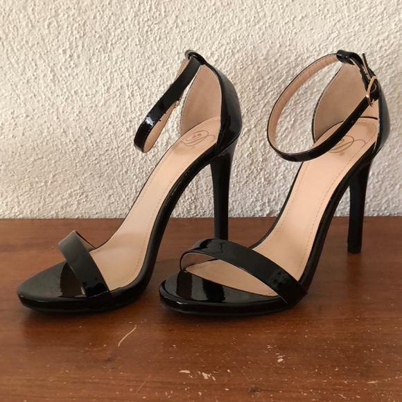 be94a9ea1bf1 Delicious Shoes - Delicious Black Open Toe Ankle Strap Heels Size 55