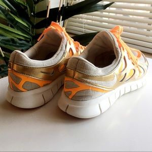 2ca69fd916b9c Nike Shoes - PRICE REDUCED!! Fun Nike Free 2 PRM EXT!