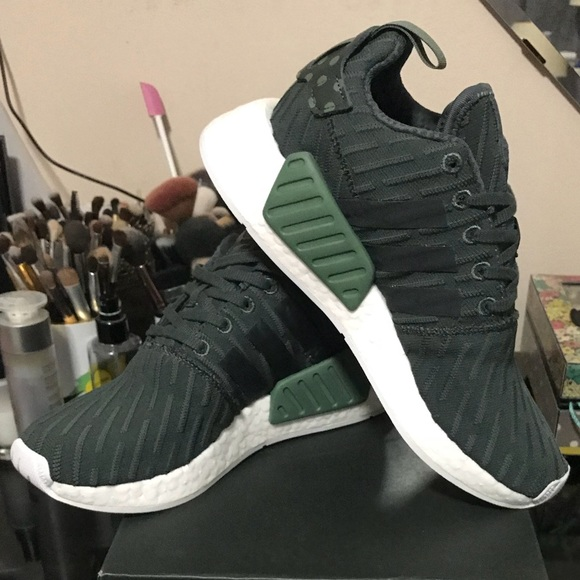 pick up 3bd28 afc03 adidas Shoes - Adidas NMD R2 - Olive Green