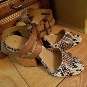 Beautiful Mia Leather wedge 7
